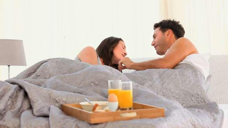 12 petites astuces pour rendre heureuse la femme de votre - Les astuces pour rendre un homme fou au lit ...