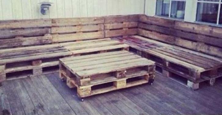 3 et que dites vous de cet ensemble de patio style lounge en palettes de bois - Transformer Des Palettes En Meuble